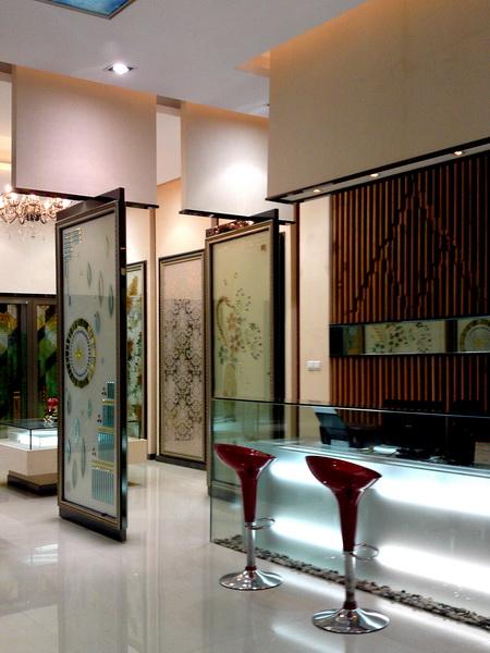 福州鑫联峰玻璃展厅_美国室内设计中文网