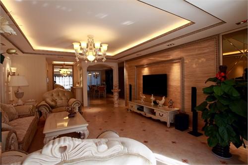 通透的客厅,与宽敞的走廊相连接