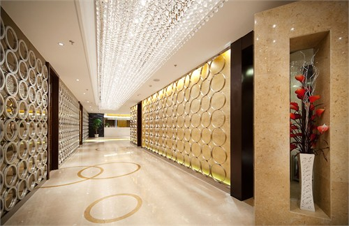 商业空间                      东方金石接待中心位于青岛胶南市