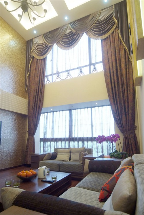 復式樓窗簾效果圖客廳