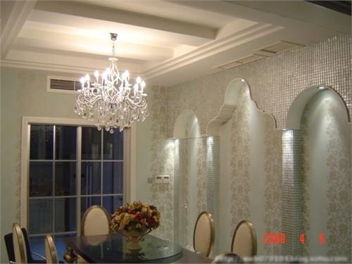雕花镜框成了整套房子的焦点