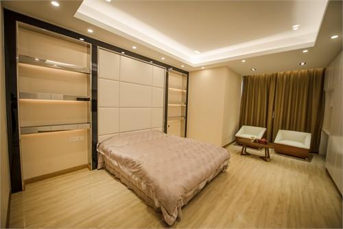 背景墙 房间 家居 酒店 设计 卧室 卧室装修 现代 装修 500_334