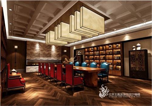 会所的私人会议室也兼有红酒吧的功用