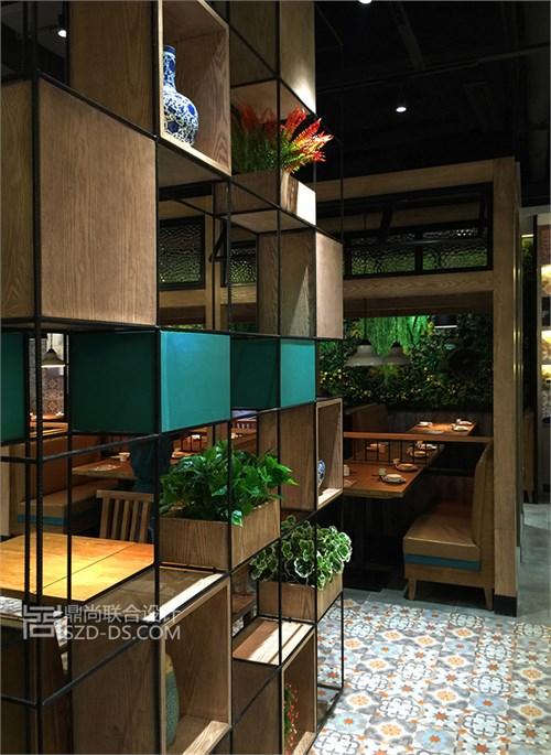 海口鼎格麻辣香锅连锁餐厅装饰设计